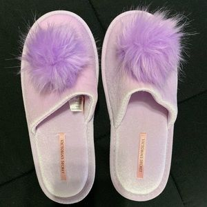 VS Pom Pom Slippers